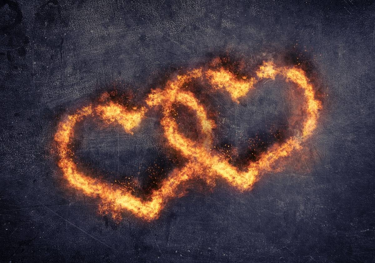 7 Sacred Flames: How To Be Lucky In Love